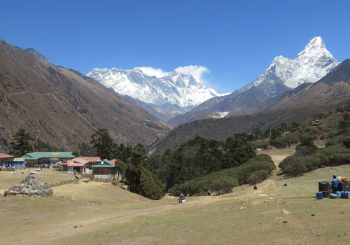 Namche Bazaar to Tengboche (3,870m/12,694ft): 5- 6 hours